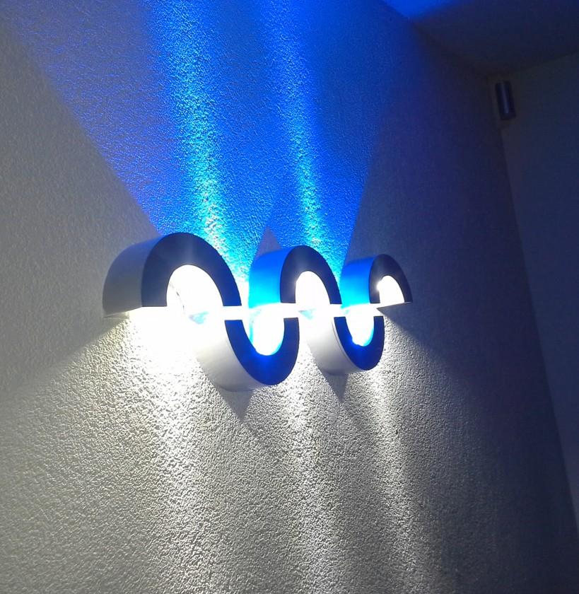 5ks dizajnových svietidiel SLV usporiadaných do vlniek